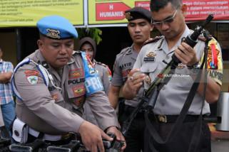 Polisi Cek Senjata untuk Pengamanan Pilkada Jatim