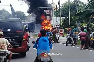Kebakaran Mobil di SPBU Pamekasan Berhasil Dipadamkan