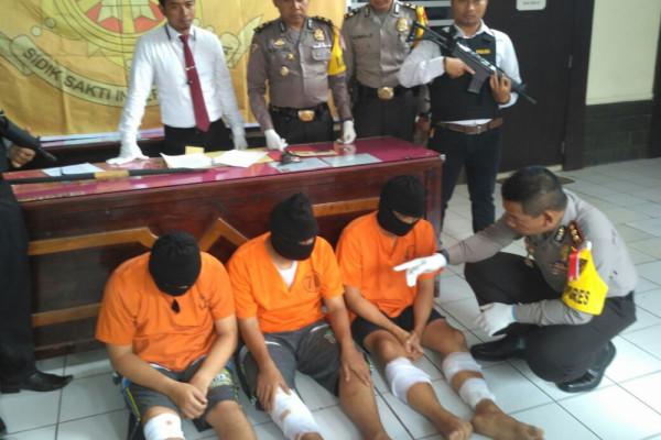 Polisi Tulungagung Tembak Komplotan Geng Palembang