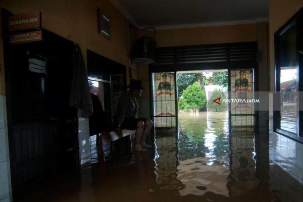 Dampak Sungai Gunting Mojoagung Meluap