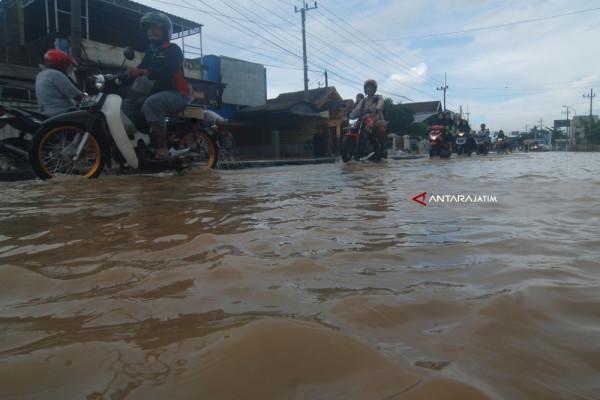 Pemprov Jatim Data Korban Banjir di Pasuruan dan Jombang