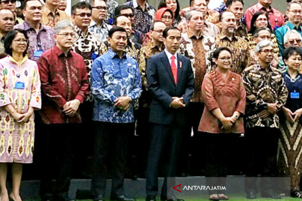 President Jokowi Briefs Indonesia Diplomats on Boosting Country's Economic Diplomacy