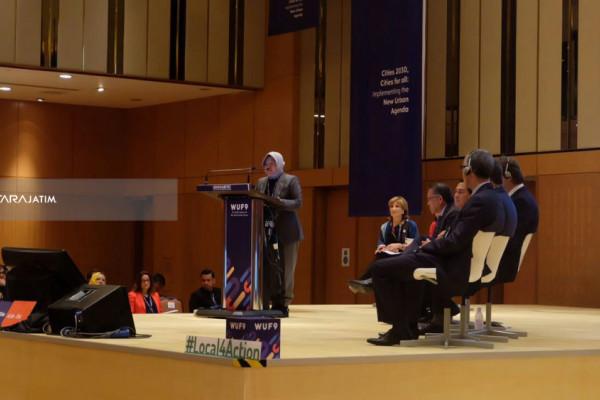 Risma Jadi Pembicara Forum Perkotaan Dunia di Malaysia