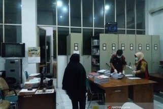 Penyidik Kejaksaan Situbondo Geledah Ruang Sekretariat DPRD (Video)