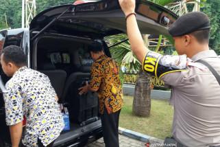 Penyidik Kejaksaan Situbondo Mengamankan Dokumen Sekretariat DPRD (Video)