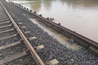 Perjalanan KA di Daop Jember Masih Aman dari Banjir Pasuruan