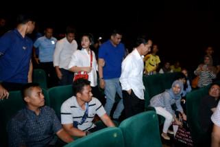 Jokowi Nonton Film Dilan