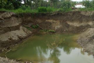 Petugas Hentikan Penambangan Pasir di Bengawan Solo Purba