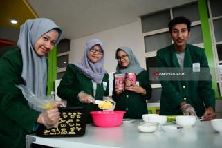 Mahasiswa Unusa Buat Biskuit Kalsium dari Kolang-Kaling