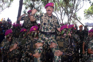 Marsekal Hadi Tjahjanto Warga Kehormatan Korps Marinir
