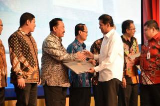 Kabupaten Madiun Raih Penghargaan Akuntabilitas Kinerja B