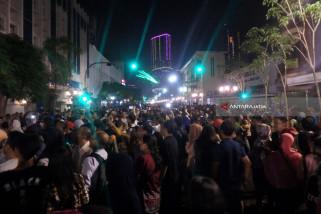Ribuan Warga Surabaya Padati Jalan Tunjungan