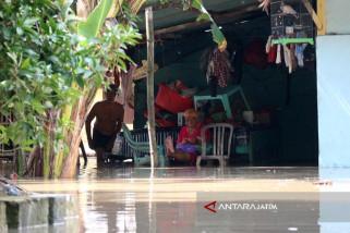 Bupati Bojonegoro Instruksikan PNS Pemkab Siaga Banjir (Video)