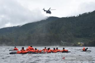 Penerbang Latihan 'Survival' di Telaga Sarangan