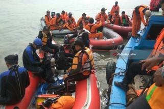 Basarnas Evakuasi Jasad Korban Kecelakaan di Dermaga TPS