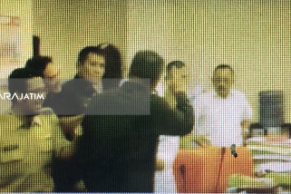 Rapat Dengar Pendapat DPRD Surabaya Berlangsung Panas (Video)