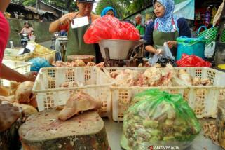 Daging Ayam di  Bojonegoro Turun Rp2.000