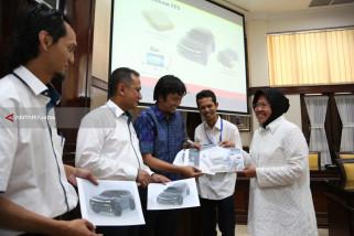 Wali Kota Surabaya Gunakan Mobil Dinas Listrik Buatan ITS