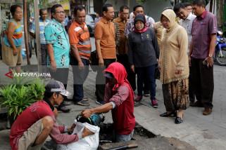 Risma Minta Dua OPD Surabaya Fokus Kerjakan Saluran Air