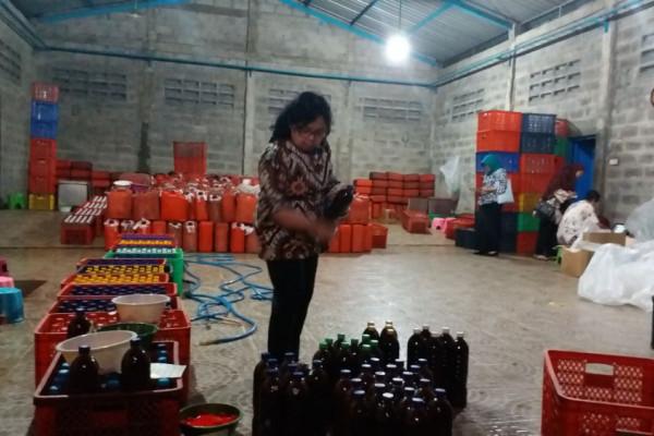 BPOM Gerebek Industri Pembuatan Jamu di Tulangan