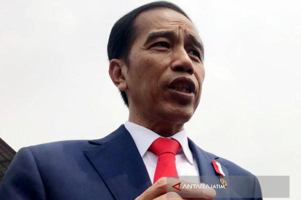 Jokowi Persilakan Dua Menterinya Diproses Hukum oleh KPK (Video)