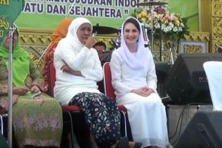 Calon Gubernur Khofifah Dorong Ibu-ibu Berkoperasi