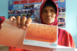 Dinsos Situbondo Salurkan Bansos Nontunai PKH (Video)