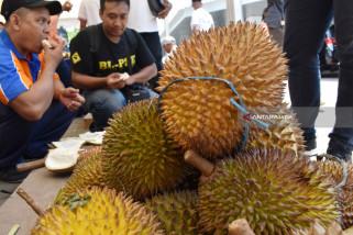 KAI Gelar Festival Durian di Stasiun Madiun