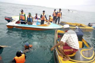10 Korban Perahu Terbalik Ditemukan Selamat