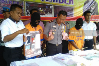 Dua Pelaku Pungutan Liar Terjerat OTT Tim Saber Pungli Polres Jember