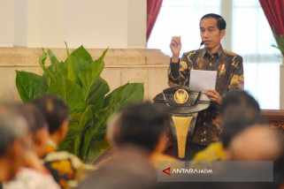 Jokowi Kritik Pimpinan Perbankan Nasional (Video)