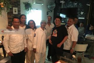 Relawan Gus Ipul-Puti Jamin Keaslian Lukisan Affandy Dilelang di Surabaya