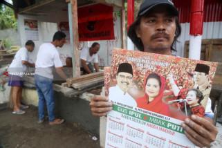 Relawan Rungkut Menanggal Kerja Bakti Dirikan Posko Gus Ipul-Puti