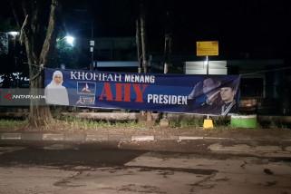 Panwaslu Surabaya Tertibkan Spanduk