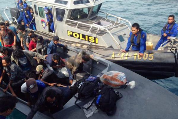 Polri Selamatkan Kapal Bawa TKI Terombang-ambing