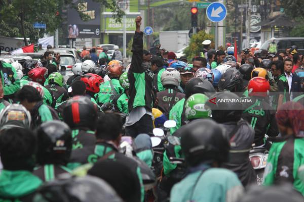 Polisi Surabaya Buru Pencuri Motor Pengojek Daring