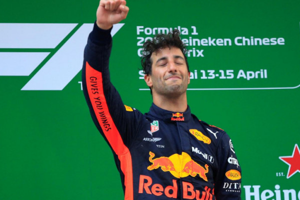 Grand Prix China Dijuarai Ricciardo