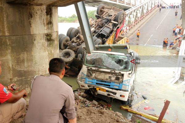 BBPJN VIII Segera Investigasi Penyebab Ambrolnya Jembatan Widang (Video)