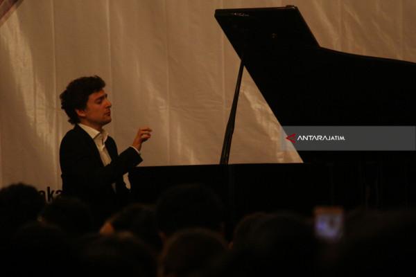 Resital Piano Alexander Ullman