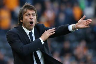 Conte Fokus Amankan Piala FA