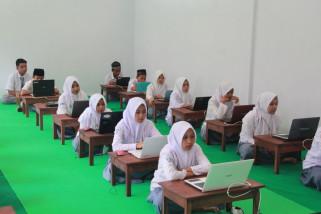 Gangguan Server dan Jaringan Lemah Warnai Pelaksanaan UNBK MA di Jember