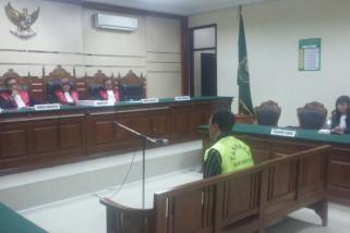 Mantan Lurah Bubutan Dituntut Tiga Tahun Penjara