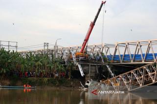 Perbaikan Jembatan Widang Tuban Manfaatkan Jembatan