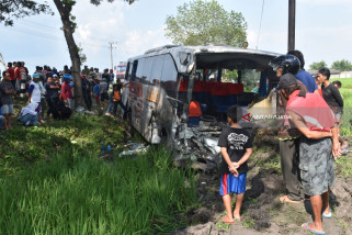 Polres Ngawi Tetapkan Tersangka Kecelakaan Tiga Bus