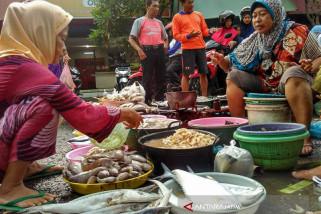 Pedagang Perkirakan Harga Ikan Laut di Bojonegoro akan Naik