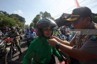 Safety Riding Ibu-Ibu