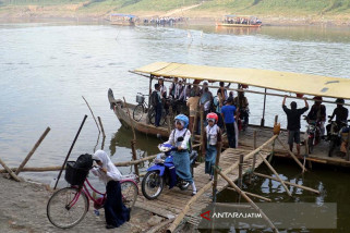 Dishub Jatim Evaluasi Tambangan Perahu Bengawan Solo
