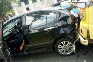 Terlibat Kecelakaan Beruntun,  Asisten II Pemkot Blitar Luka Parah