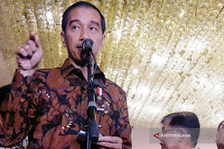 Kata Jokowi Kelola Bulog Perlu Orang Tegas
