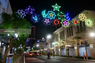 Ratusan Lampion Hiasi Tengah Kota Surabaya Jelang HJKS